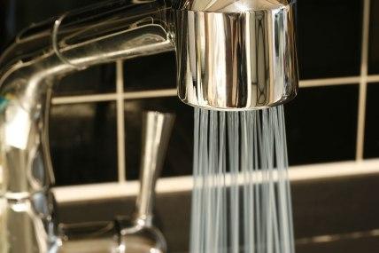 Bathroom shower tap