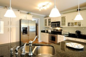 kitchen - classic design in cream